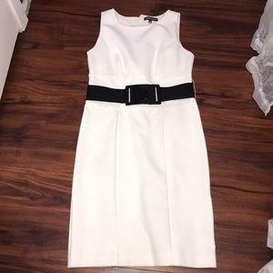 Size 8 Adrienne Vittadini White Pencil Skirt Dress